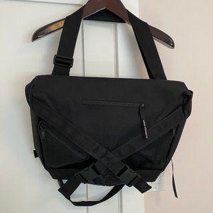 Y-3 Messenger Bag Excellent Condition Black